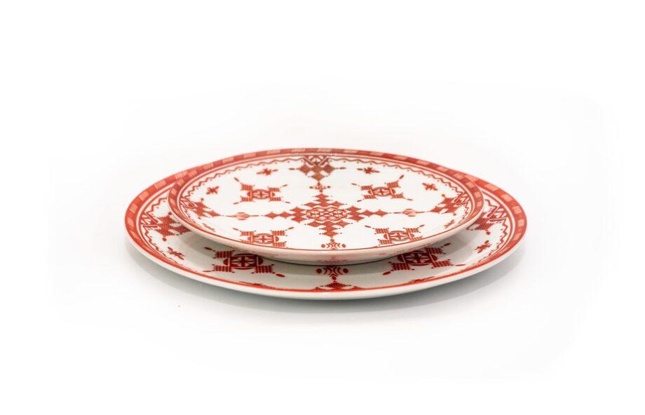 ensemble deux assiettes 20 et 25 cm en porcelaine Minyadina gamme rouge berbère