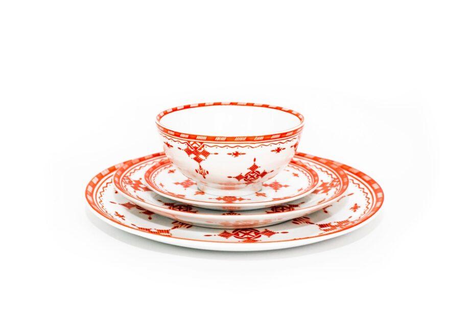 ensemble bol et assiettes en porcelaine Minyadina gamme rouge berbère