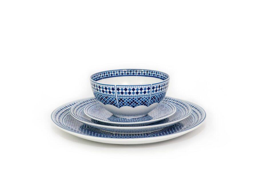 ensemble bol et assiettes en porcelaine Minyadina gamme bleu de fès